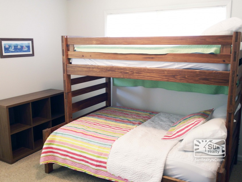Lower-Level Pyramid Bunk Bedroom