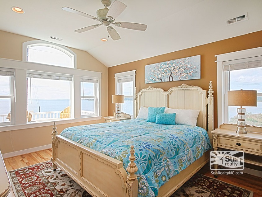 Top-Level King Master Bedroom w/ Sunset and Water Views