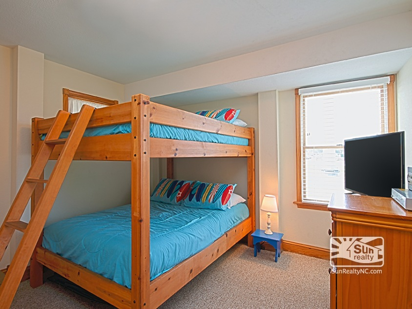 Lower-Level Double Bunk Bedroom