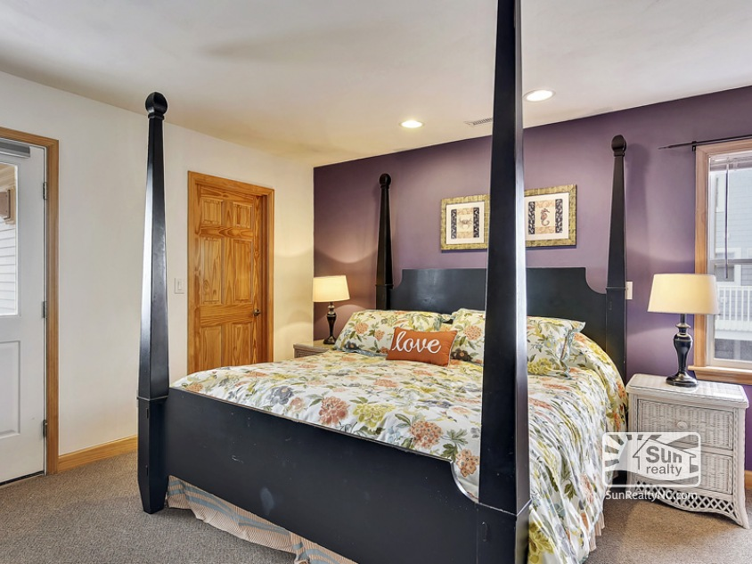 Third Level King Master Bedroom