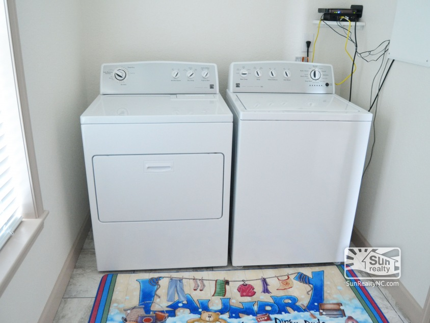 Mid-Level Laundry Room