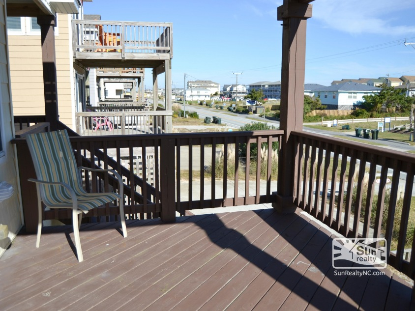Mid-Level Deck facing the Ocean