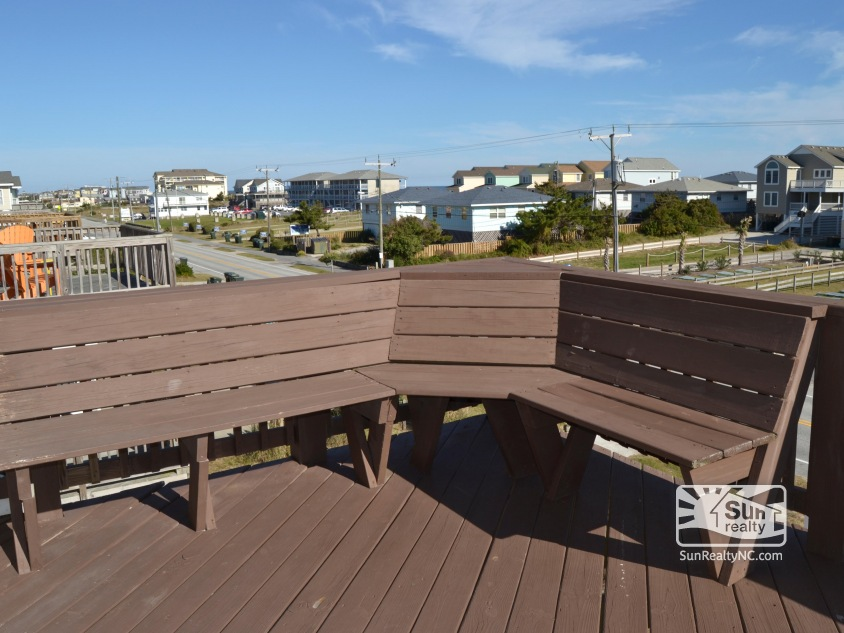 Top-Level Deck facing the Ocean
