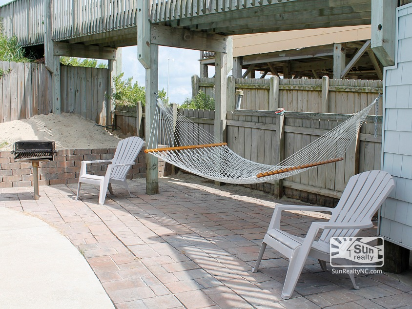 Patio Seating by Pool w/ Grill and Hammock