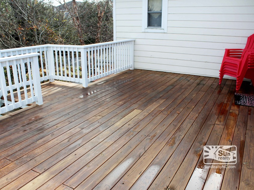 Top-Level Deck off Living Area