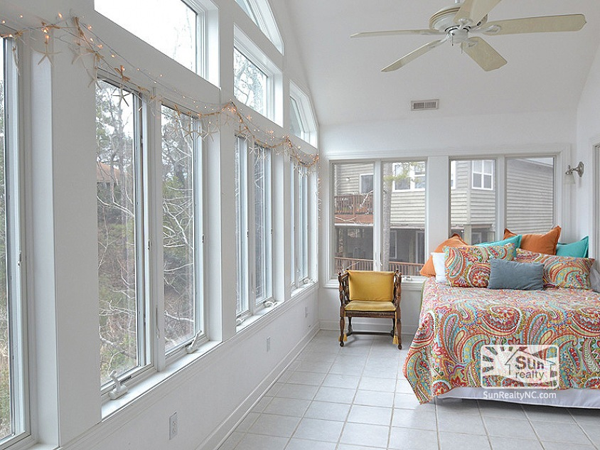 Top Level Sun Room with Queen Bed