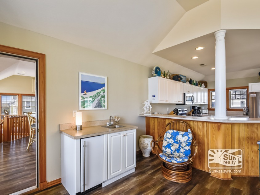 Northside Top Level Wet Bar