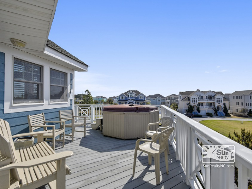 Southside Top Level Deck with Hot Tub