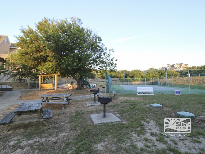 Community Grill Area and Tennis Court