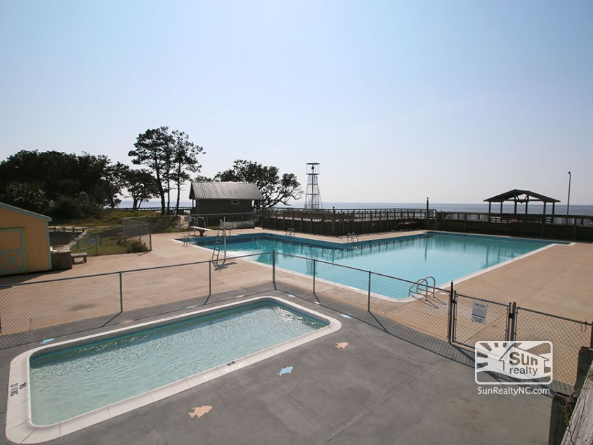Soundfront Community Pool