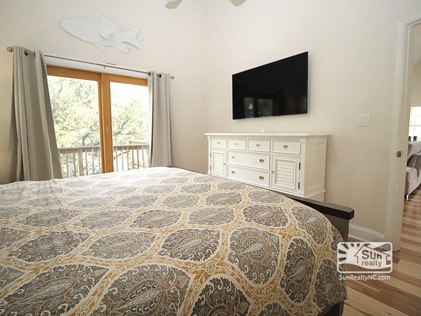 Top Level King Master Bedroom