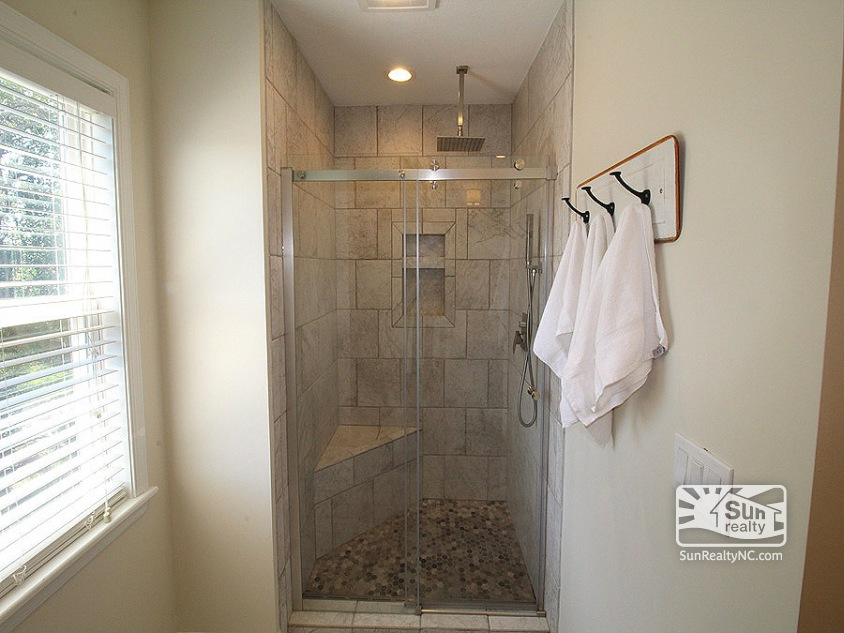 Top Level King Master Bath
