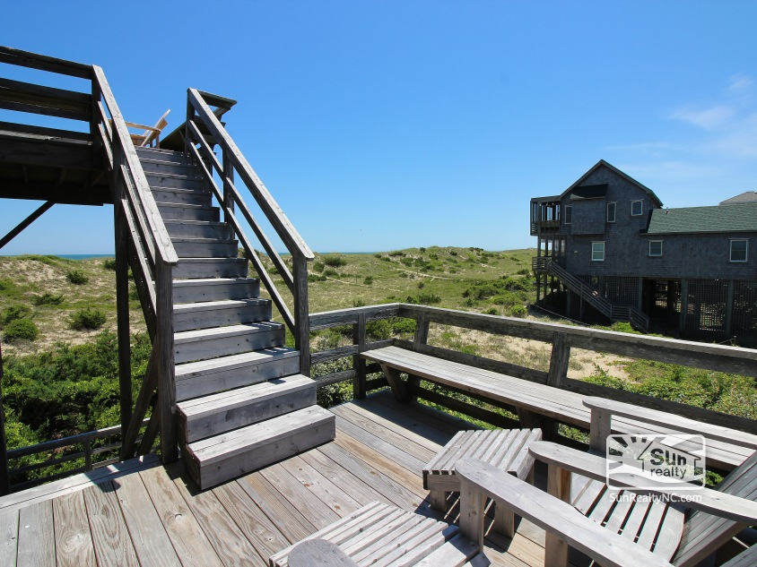 Mid-Level Oceanfront Porch