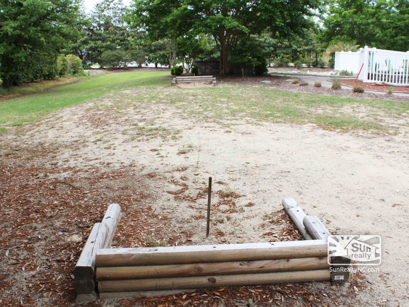 Private Horseshoes Pit