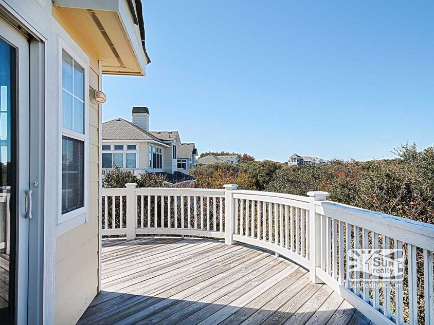 Top-Level Front Deck