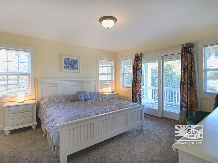 Mid Level King Master Bedroom