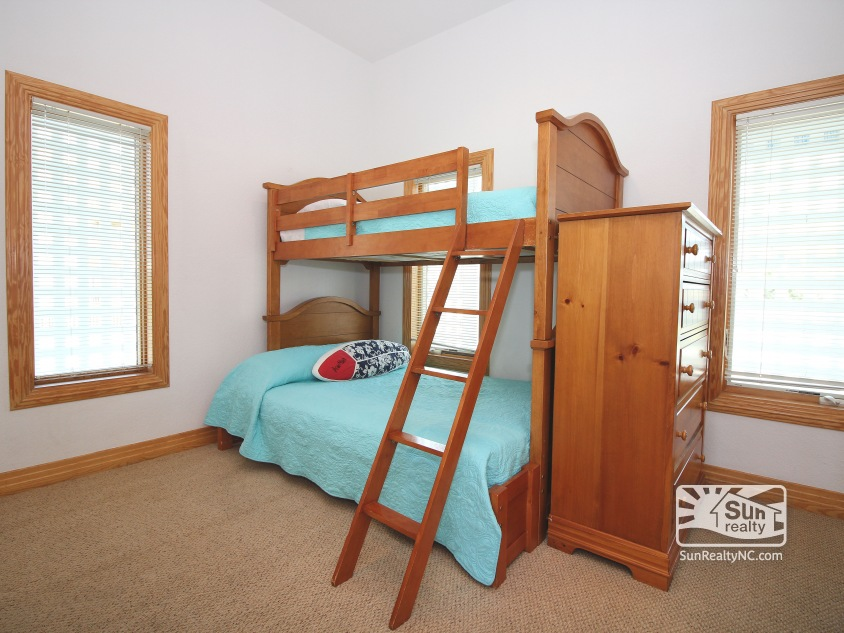 Entry-Level Pyramid Bunk Master Bedroom
