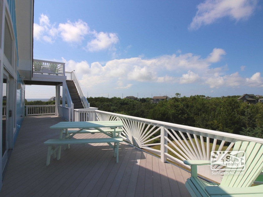 Top-Floor Deck
