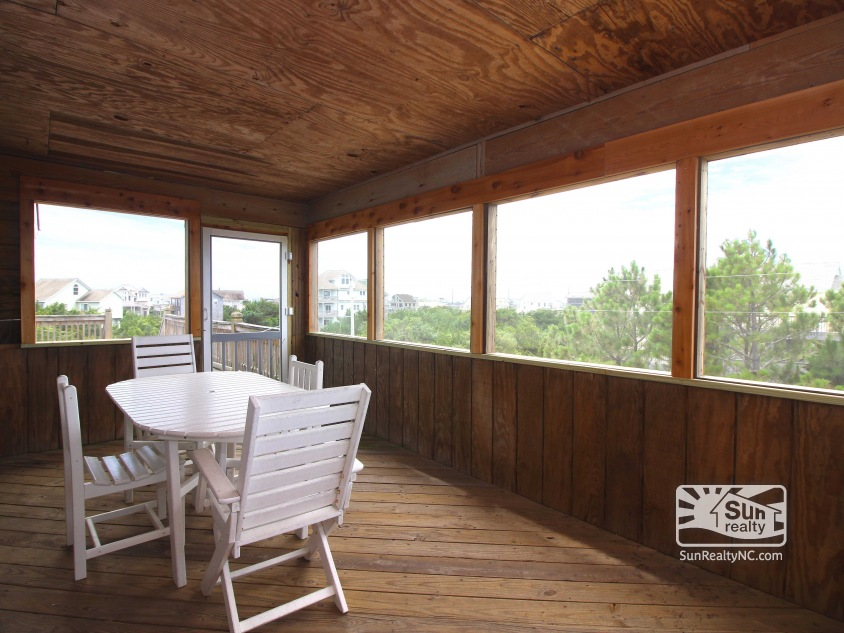 Mid-Level Screened-In Porch