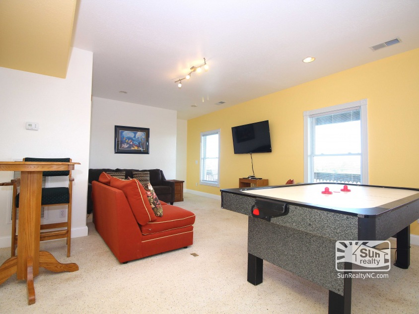 Entry-Level Recreation Room