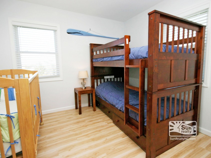 Bunk Bedroom with Crib