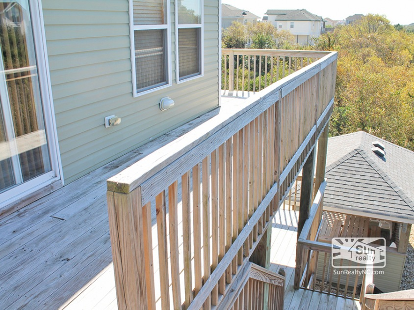 Wrap Around Deck off Great Room w-Access to Pool